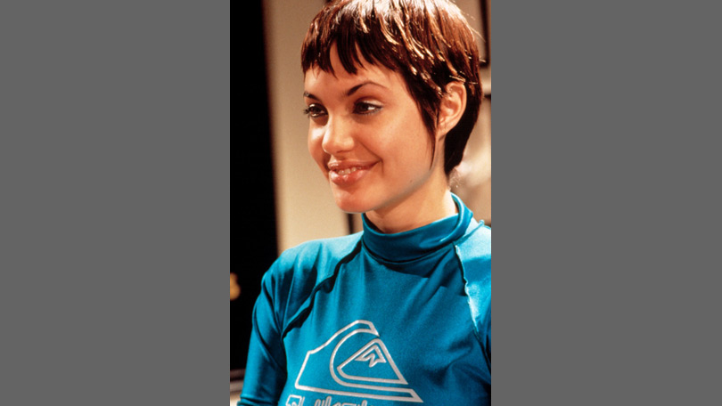 Angelina jolie style evolution rocking super short hair for the 1995 movie hackers urmus Image collections