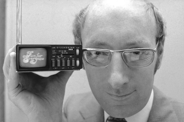 Clive Sinclair in 1977 and his Microvision television.
