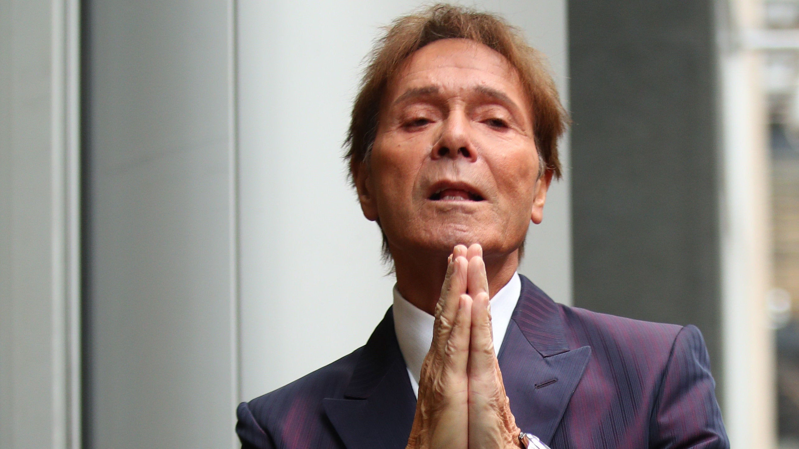 BBC reports on Sir Cliff raid 'breached privacy'