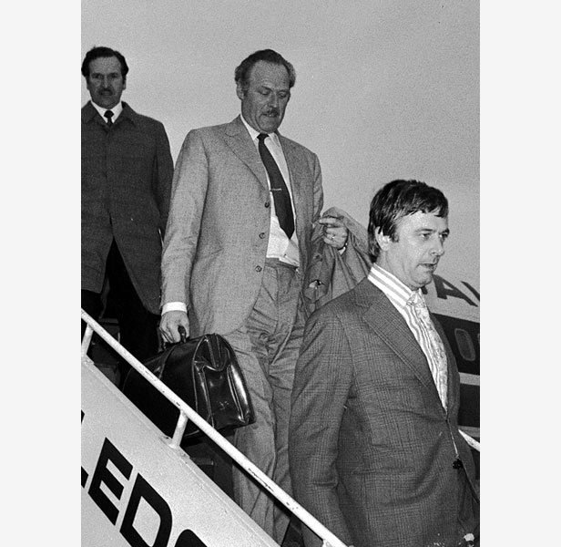 Detective Chief Superintendent Jack Slipper (middle) returns from Rio after apprehending - but failing to deport - Biggs in 1974.