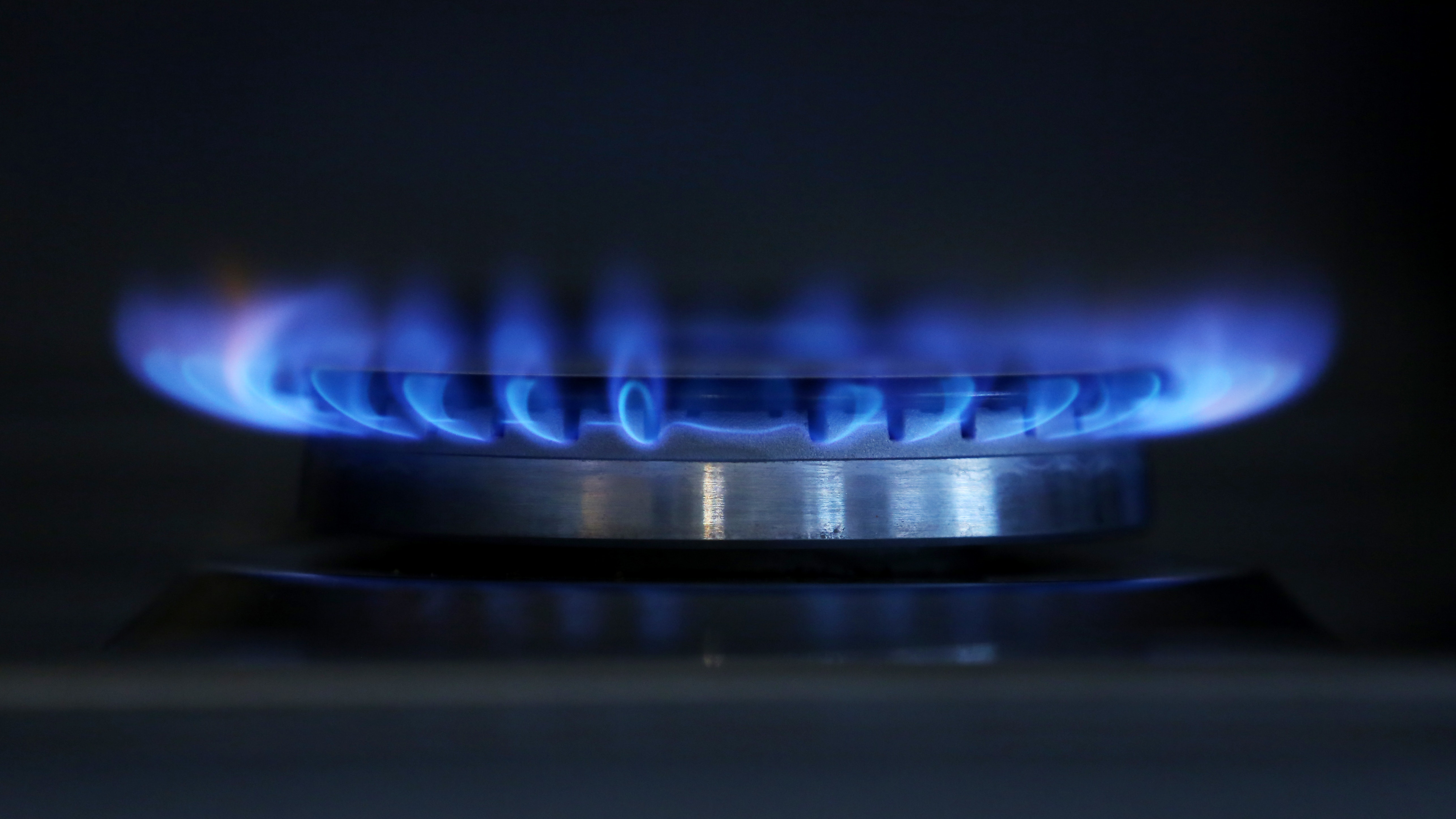 SSE loses 40000 customers and continues npower talks