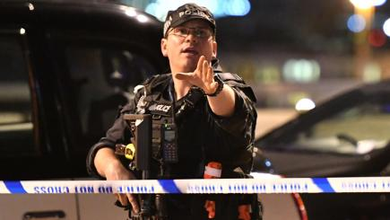 3 attackers, 6 victims killed in London Bridge area terror attacks