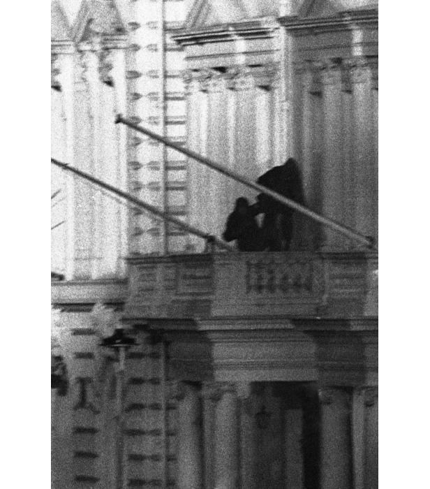 Members of the SAS storm the Iranian Embassy.