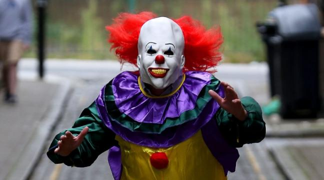 55f091a7206  Surge  in online searches for clown gear reported by fancy dress retailer