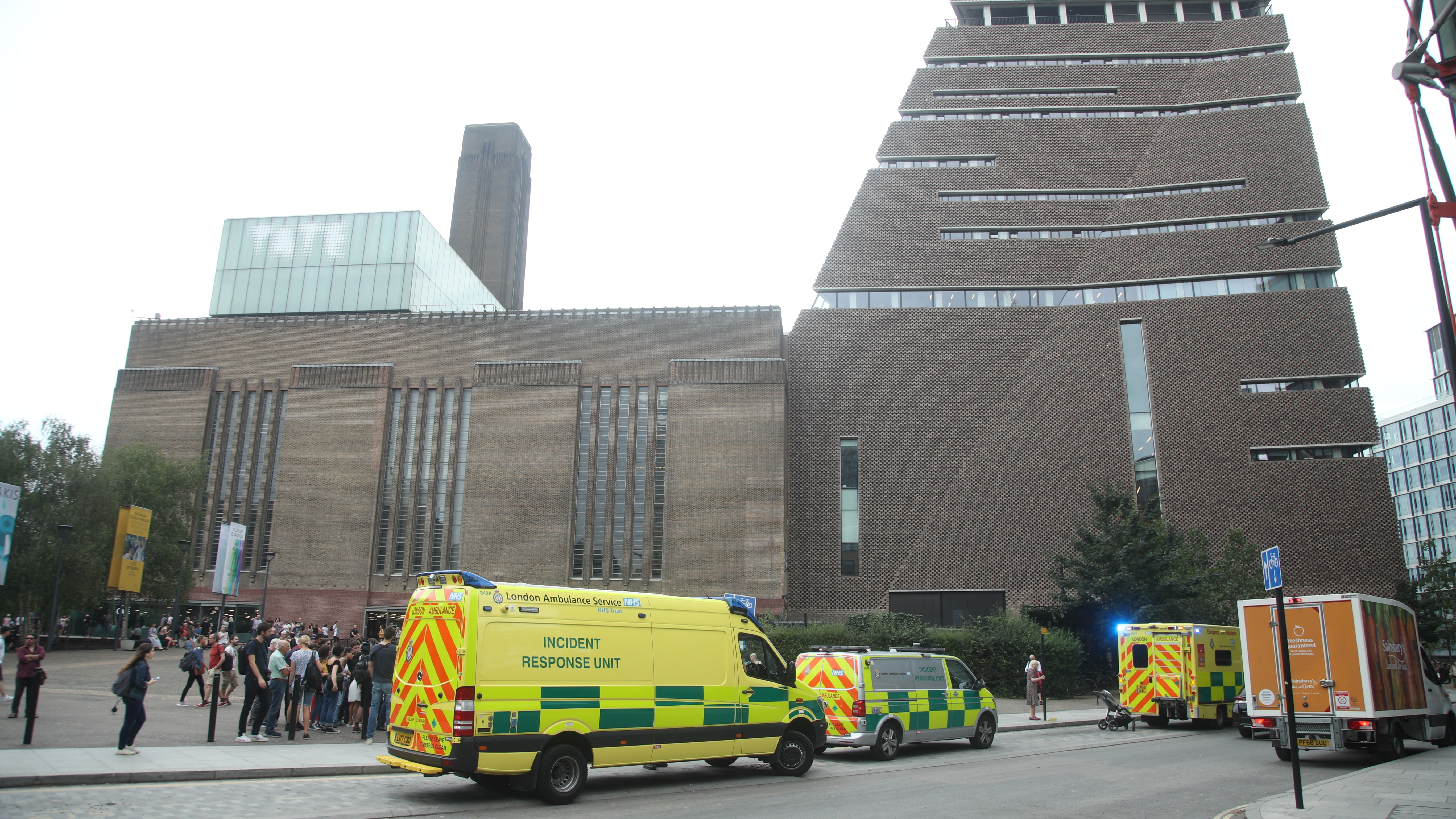Teenager arrested after child falls 'from height' at Tate Modern gallery