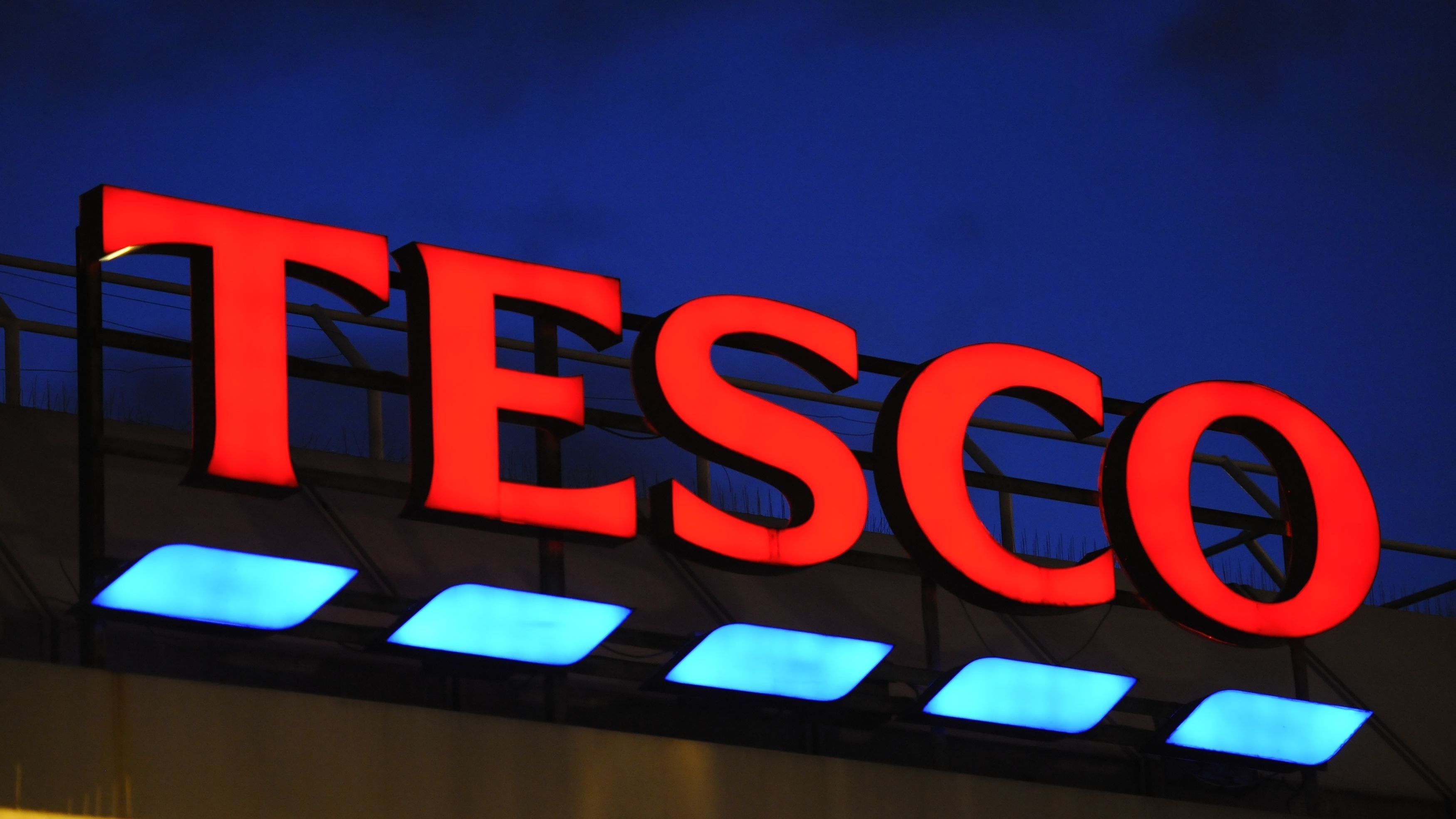 Tesco reports 28% rise in profits for last quarter