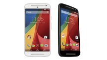 2014 Moto G front and three quarters
