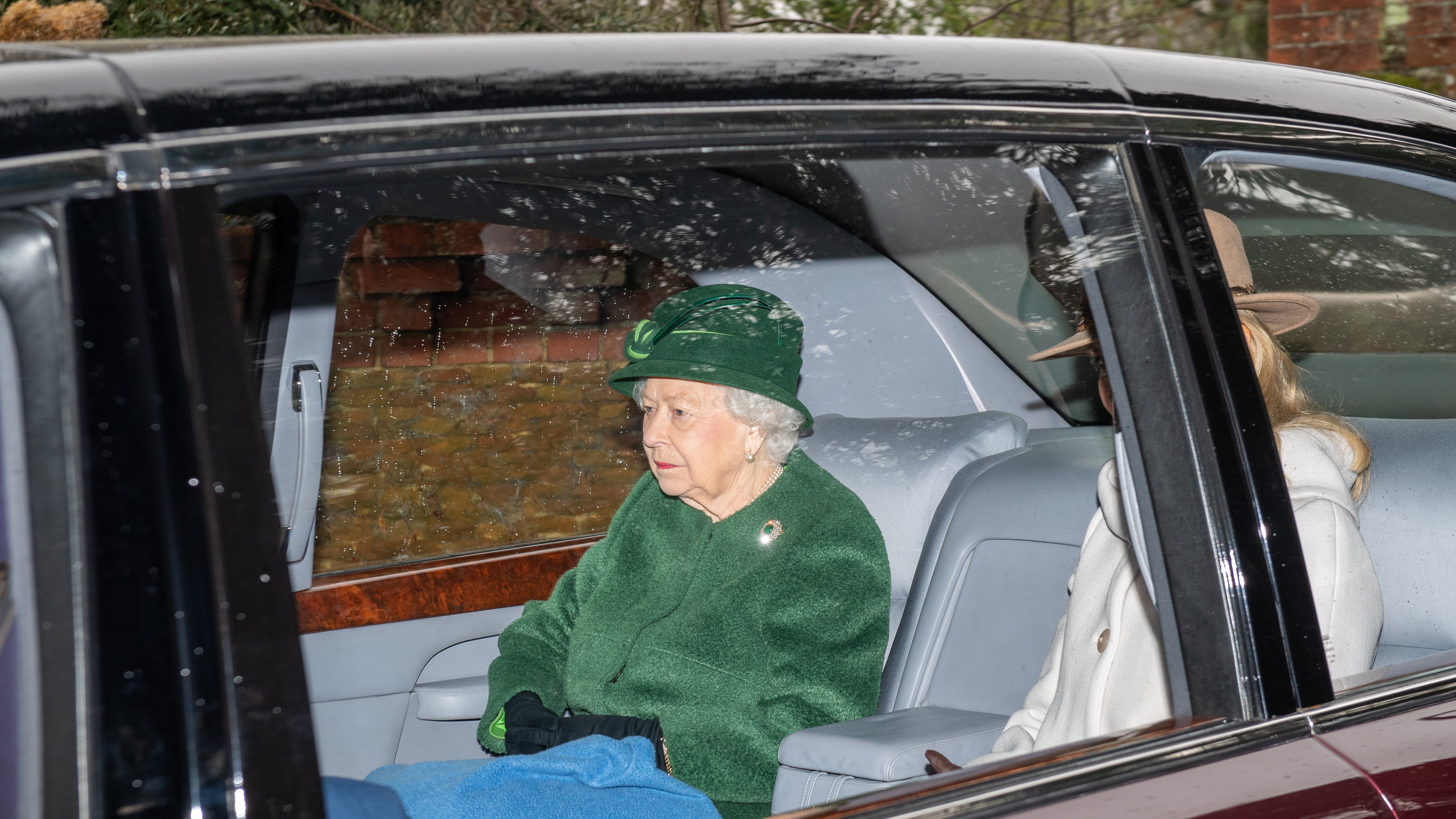 Queen Britain's 'bumpy' year in Christmas message