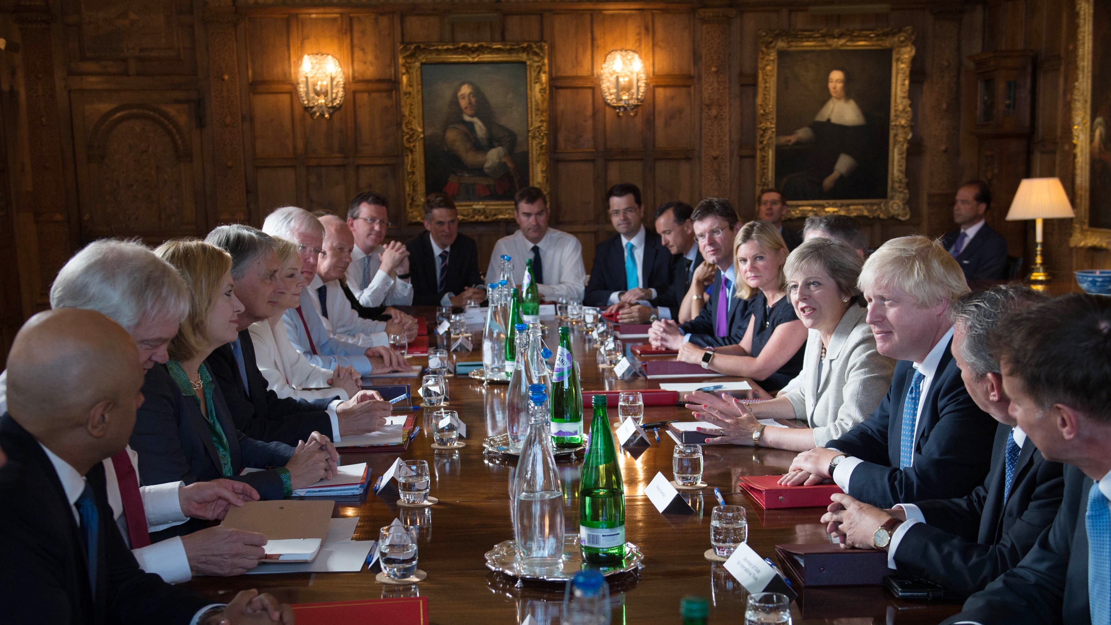 Theresa May Faces Cabinet Showdown Over Brexit At Chequers