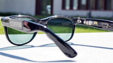 These solar glasses can power a smartphone