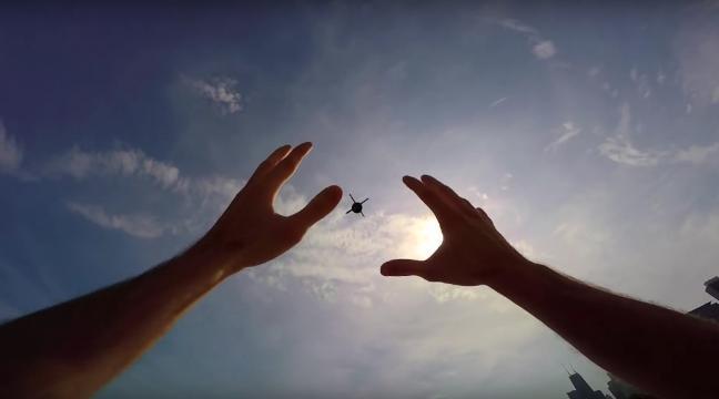 רוצים תמונה פצצה? אז למה שלא תזרקו 'טיל' עם גו-פרו לשמים?