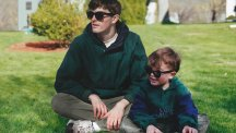 This guy Photoshopped himself into old family photos so he could hang out with his younger self