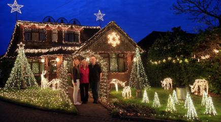 This home is decorated with an incredible 25,000 Christmas lights