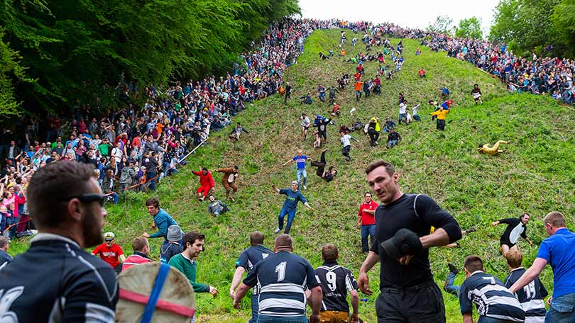 Cheese Rolling At Cooper S Hill In Pics