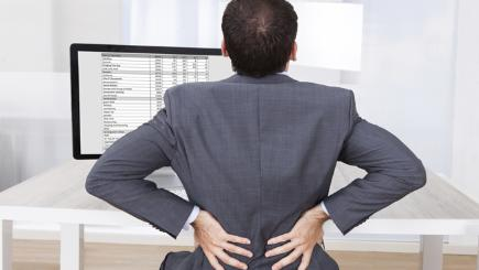 Tips to improve your posture at your desk
