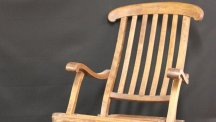 A deckchair from the Titanic has sold at auction for more than £100,000 (Henry Aldridge and Son/PA)