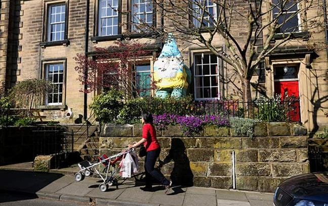 Town Plagued By Britainu0027s Biggest Garden Gnome