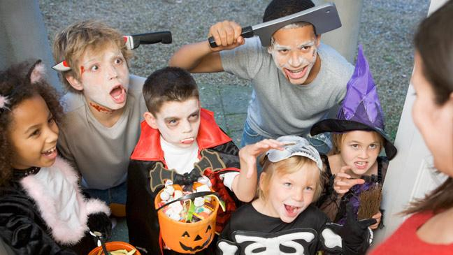 How to stop Halloween trick-or-treaters knocking on your door - BT