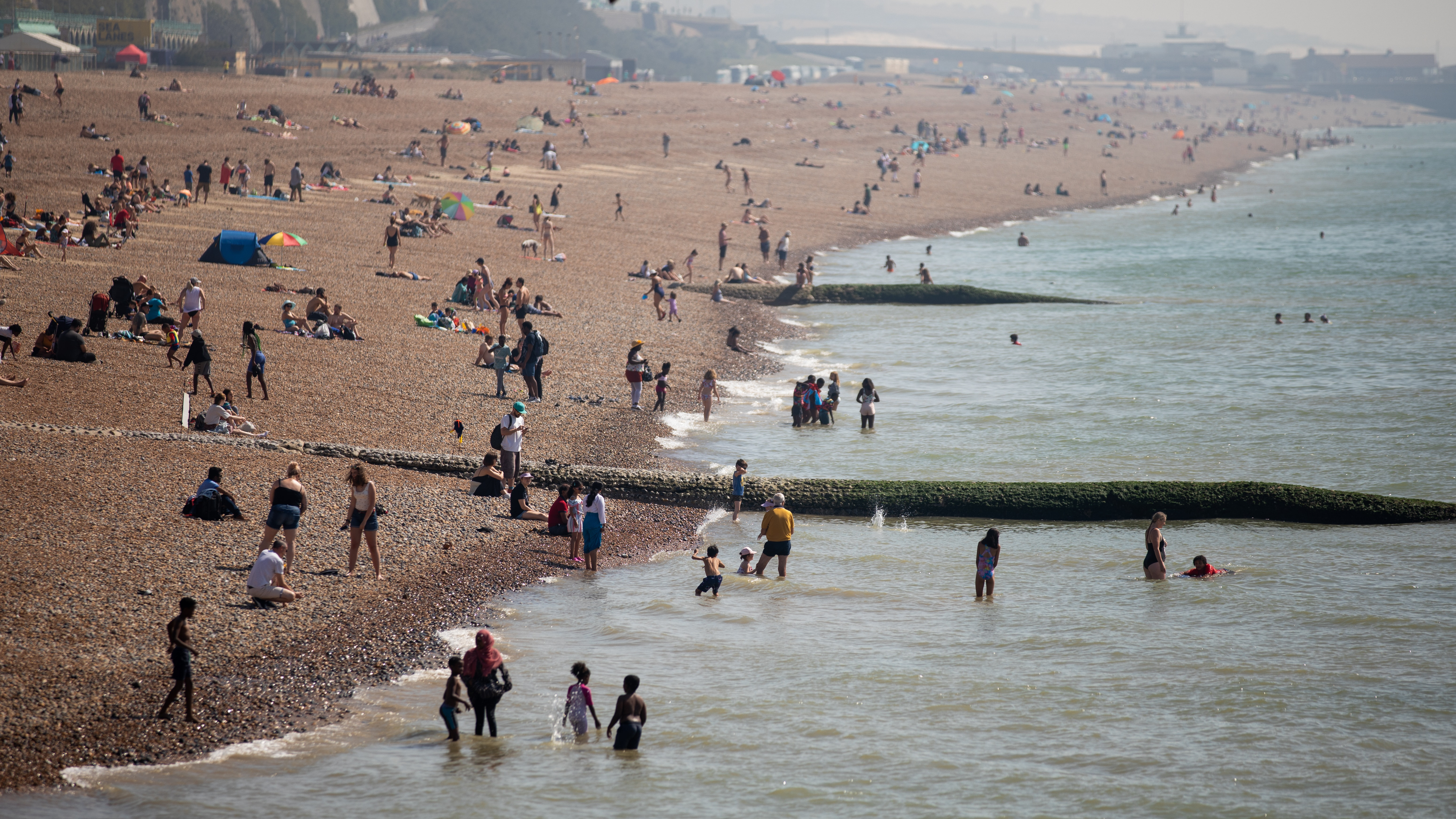 More fun in the sun as Britain basks in bank holiday heatwave