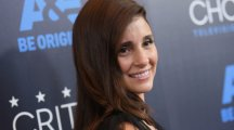 UnREAL's Shiri Appleby: Not wearing make-up was freeing