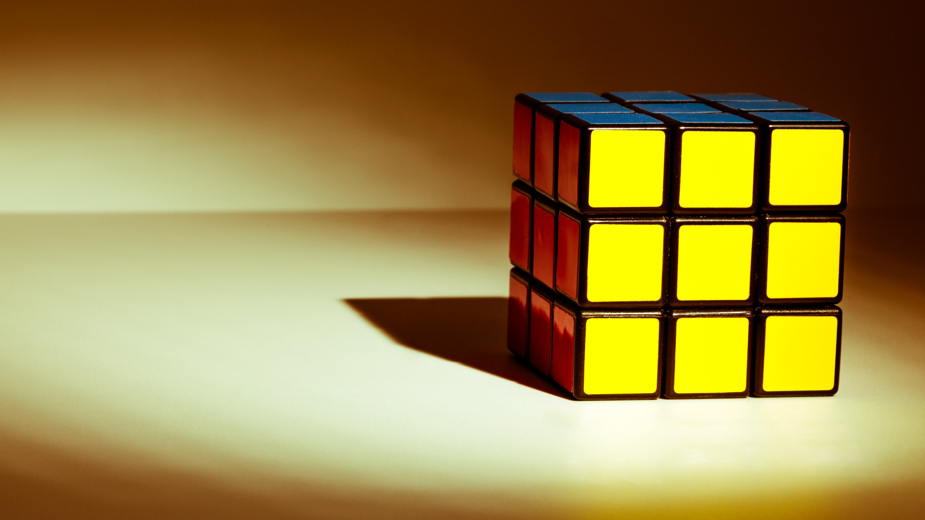 Robot Solves Rubik's Cube Puzzle in 0.38 Seconds