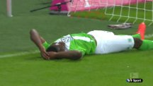 VfL Wolfsburg striker Junior Malanda misses an absolute sitter.