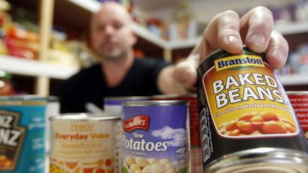 Volunteers at food banks perform 'staggering' 4.1m hours annually, says report