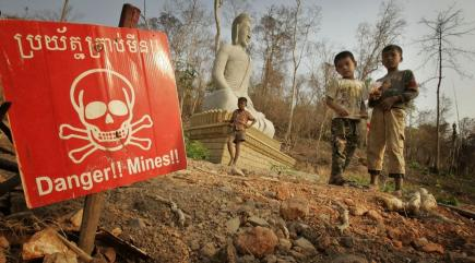 What links Sir Bobby Charlton and 'life-saving' new landmine clearance technology?