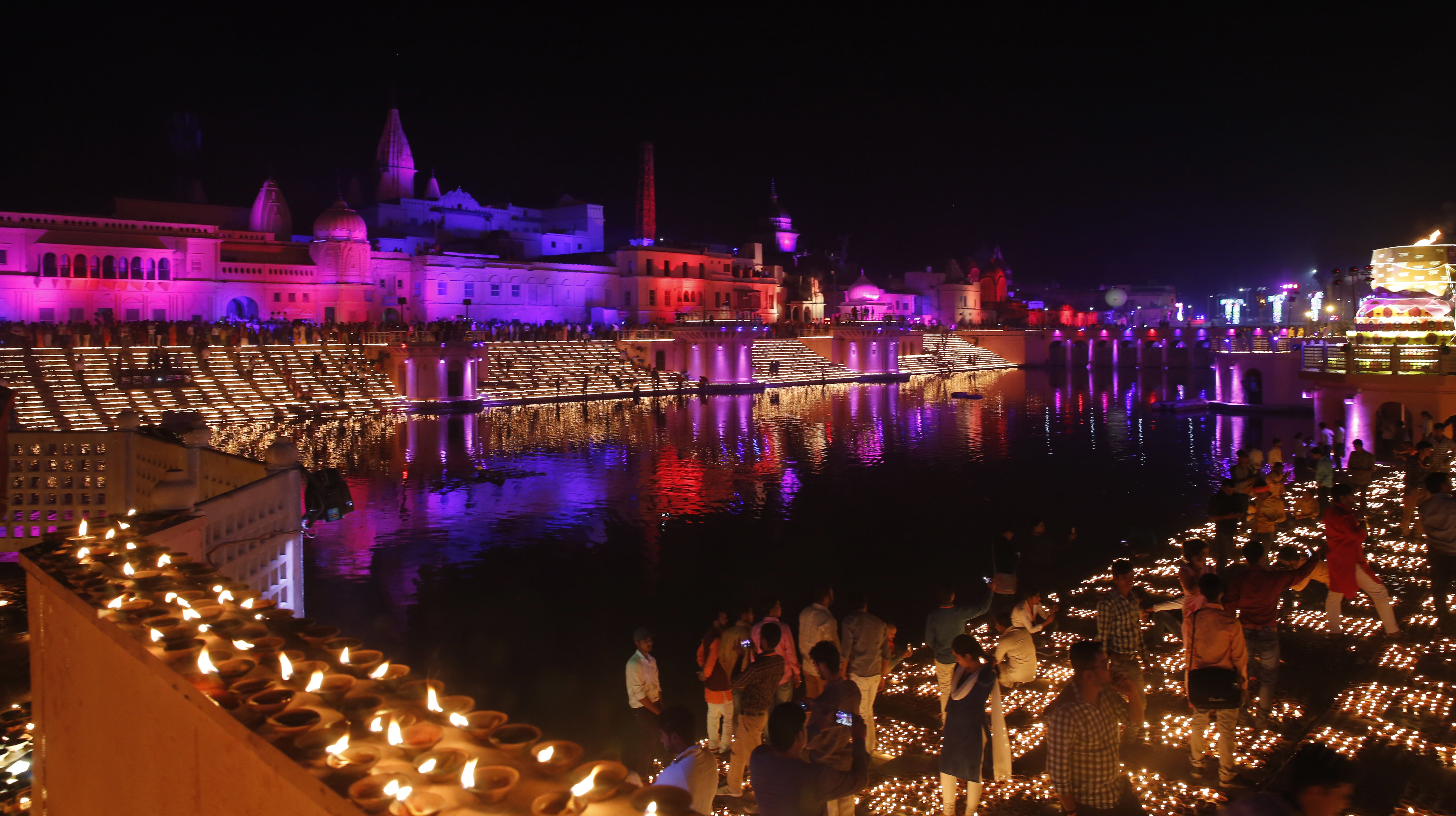 which indian city has broken the record for lamps lit for diwali