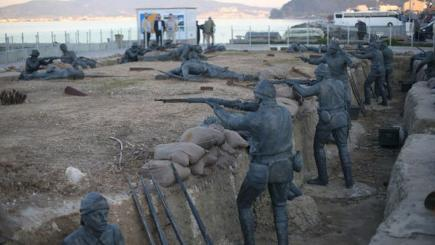 Sculpture of soldiers commemorating the Gallipoli campaign.