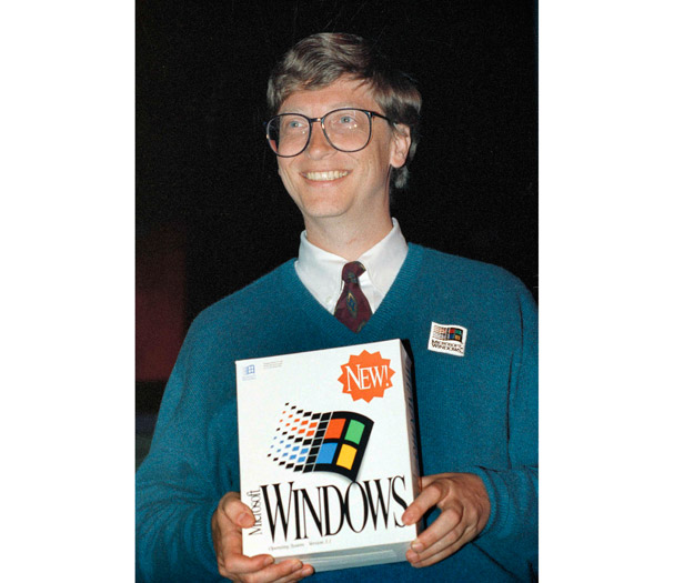 Bill Gates with Windows 3 box