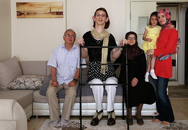 Worlds Tallest Teen Girl Is Almost 7 Foot Tall Bt