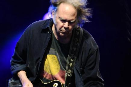 Neil Young will play at London's Hyde Park