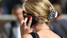 Younger workers lose more phones than older ones, a survey sayd