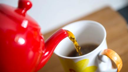 Brewing Health Benefits: Hot Tea May Lower Glaucoma Risk