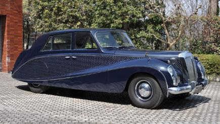 Incredible Daimler Limo To Go Under The Hammer Bt