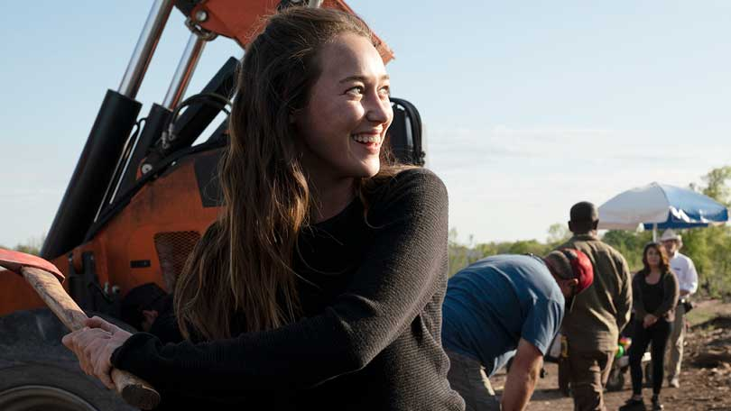 Alycia Debnam-Carey on the set of Fear the Walking Dead.  Photo credit: AMC