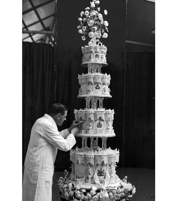 queen victoria wedding cake royal wedding cakes through the years bt 6932