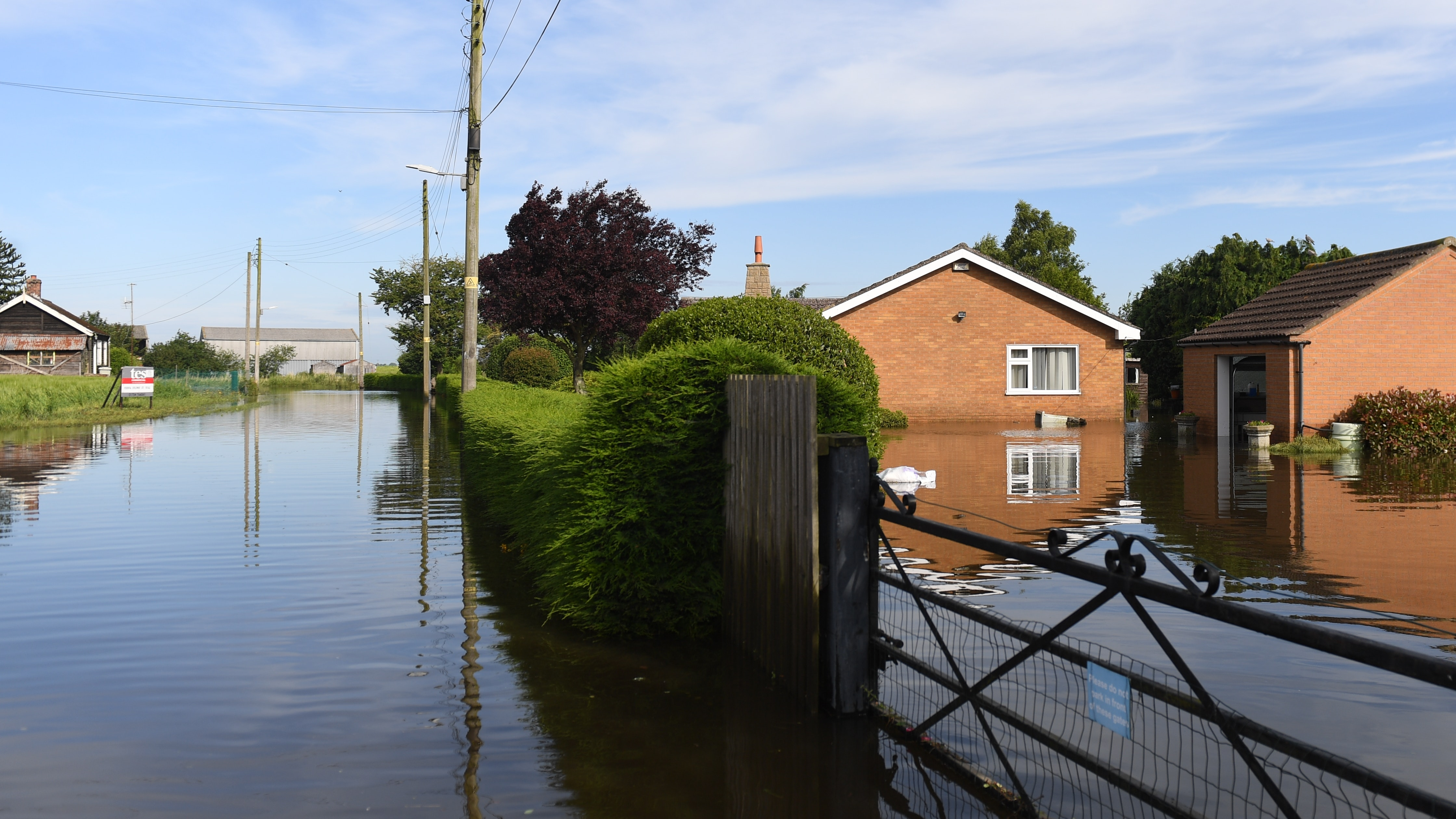 Almost 600 homes evacuated in flooded Lincolnshire town as ...
