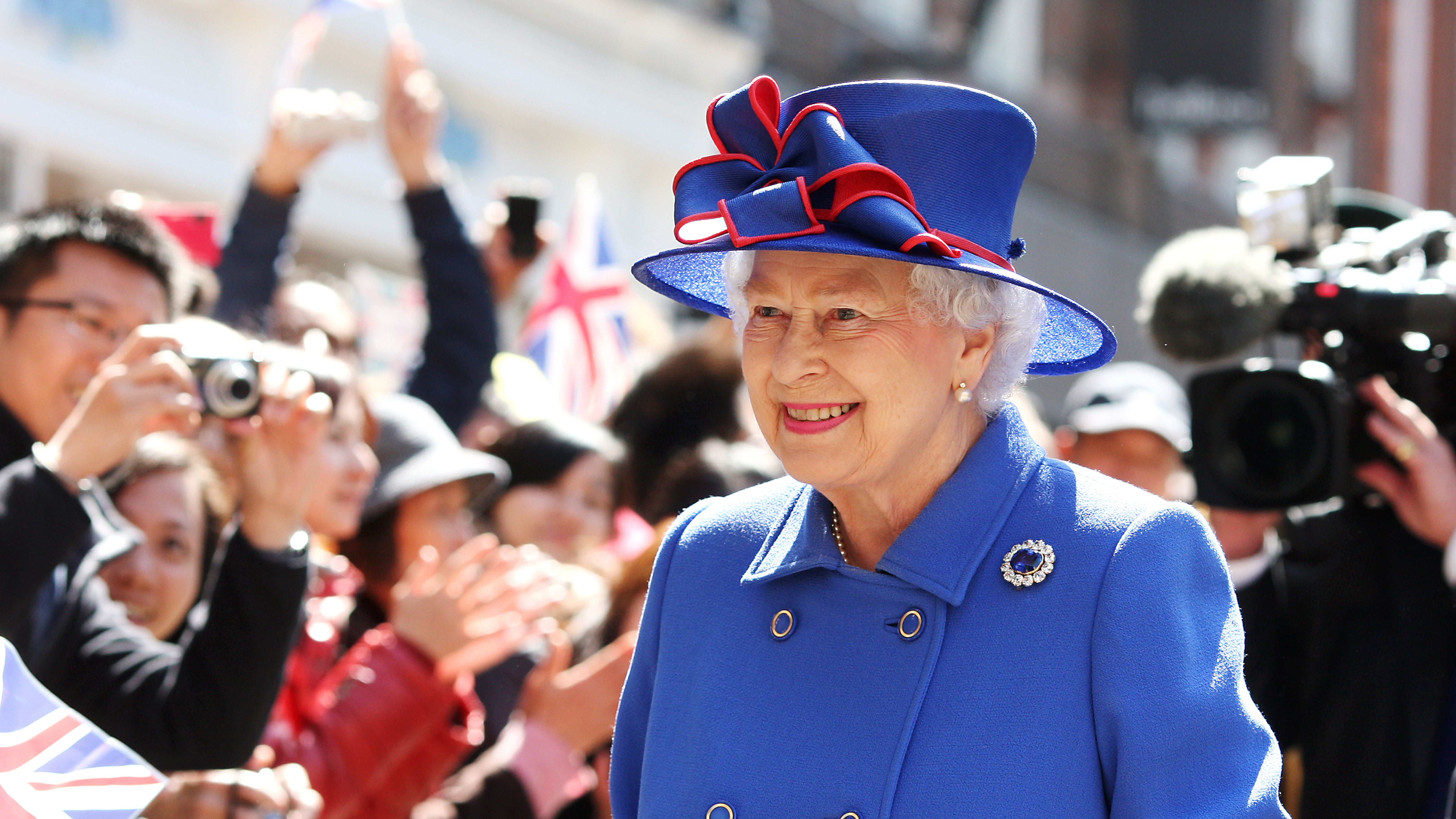 The Queen Is Being Backed To Wear A Blue Hat At Royal Wedding