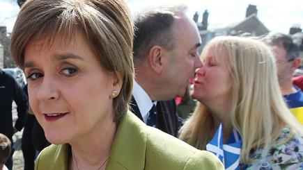 Nicola Sturgeon with Alex Salmon and campaign supporter