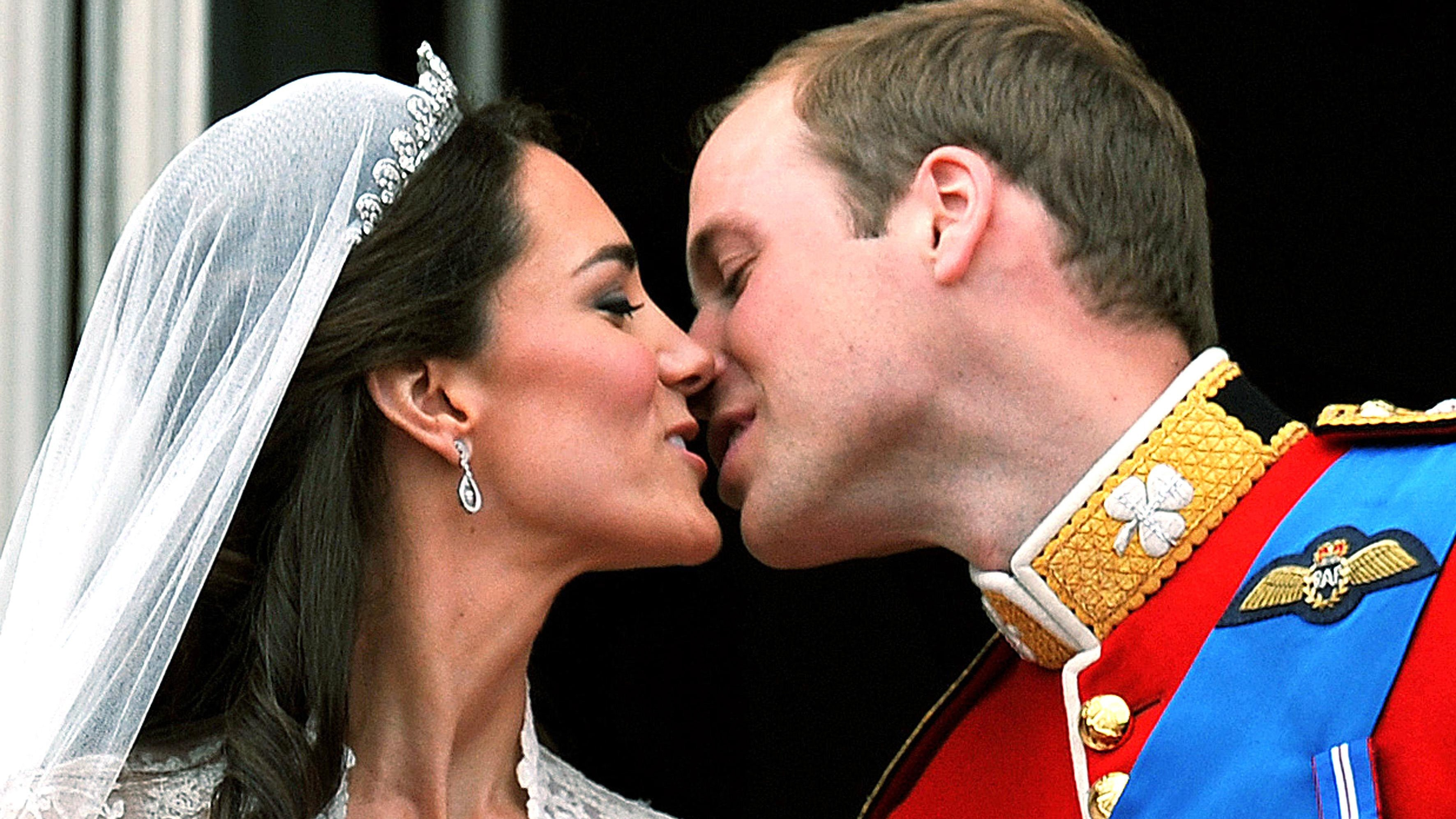 Royal Wedding Kiss.First Kiss Proves A Popular Modern Tradition Of Royal