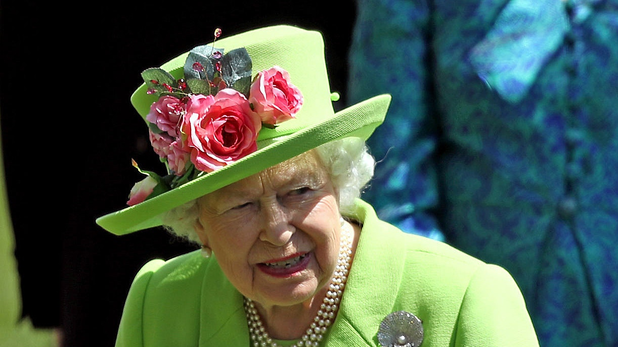 Hats off to punters as Queen s green Ascot choice leaves bookies counting  losses 7473aa9629b3