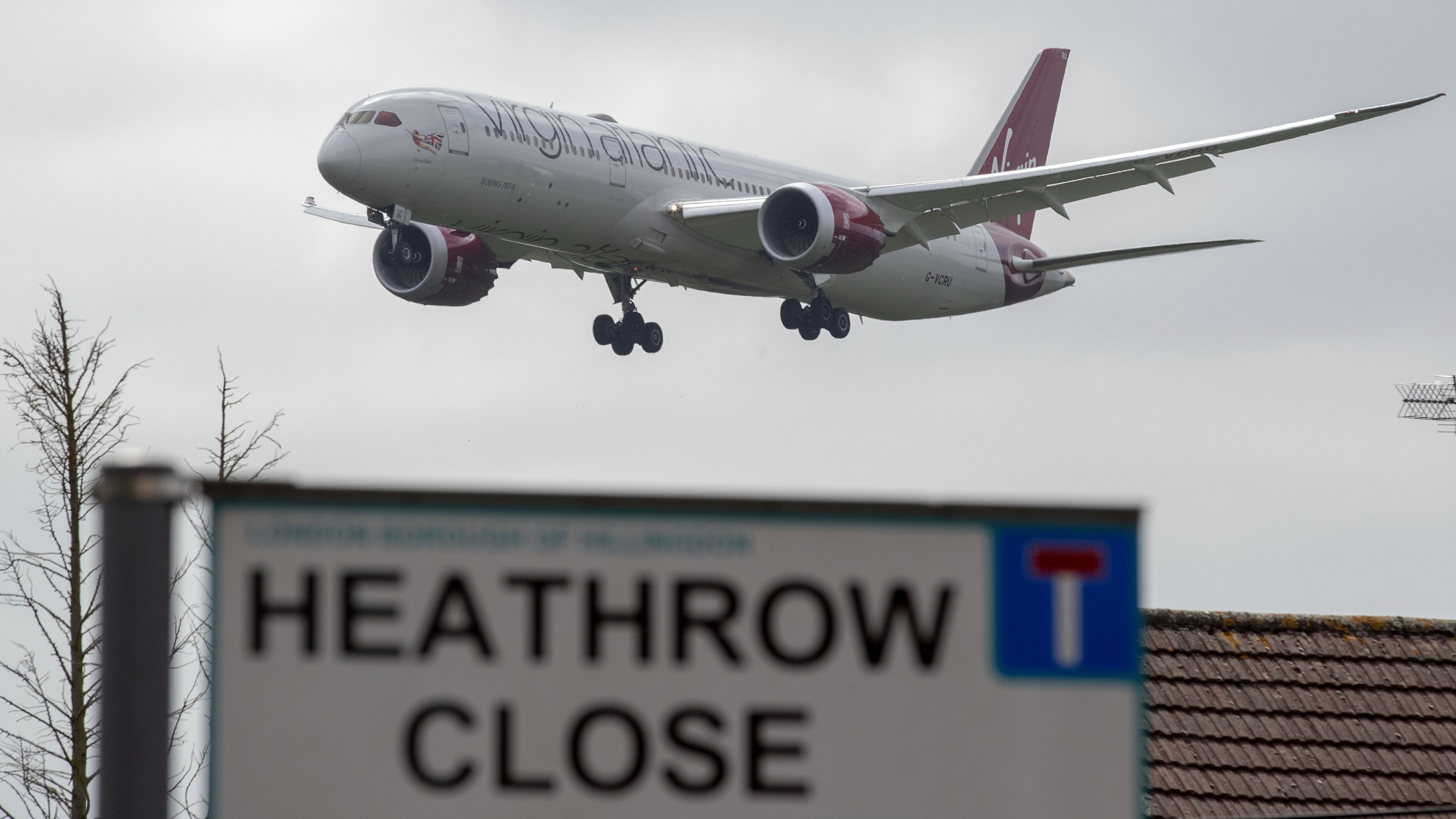 Heathrow expansion triggers minister's resignation but