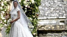 Here's what the experts are saying about Pippa Middleton's wedding dress