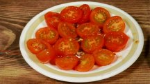 How to halve cherry tomatoes quickly