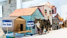 How to make a cardboard house for your cat
