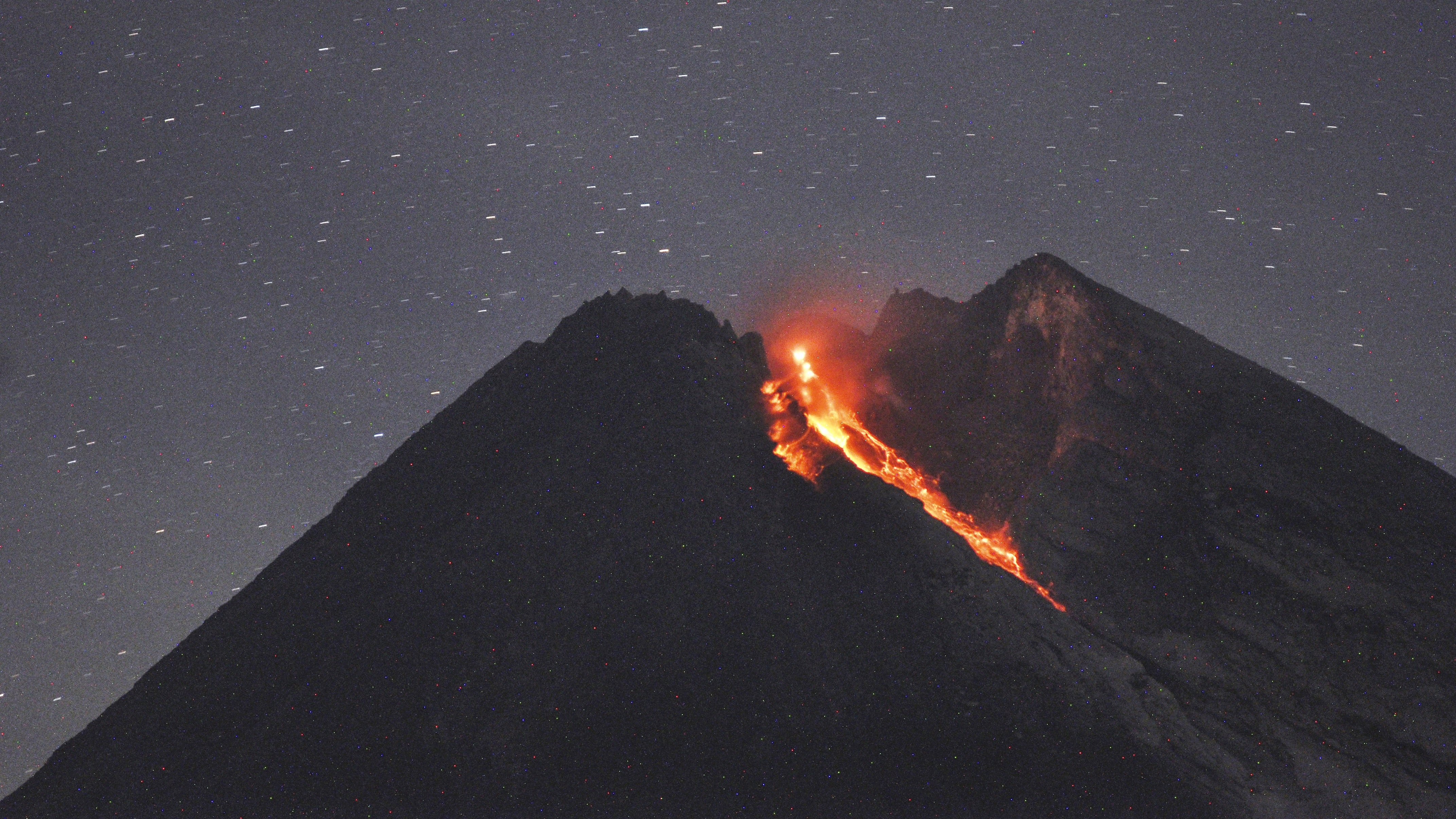 Indonesian Volcano Unleashes River Of Lava Bt