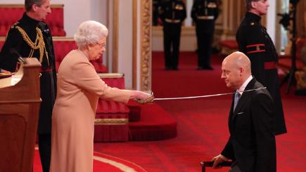 The Queen knights Sir David Brailsford