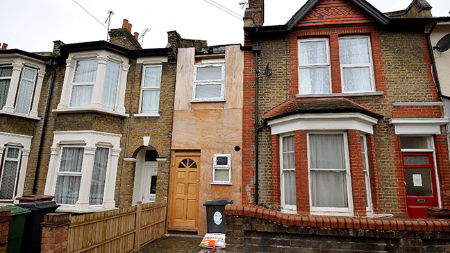 A Well Proportioned 8ft Wide House Is On The Market For